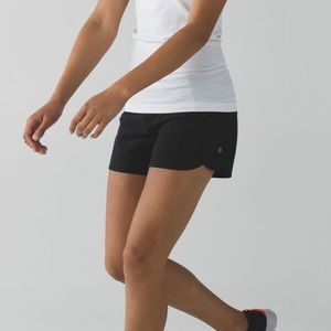 Lululemon run times short black size 6